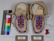 Image of SS-41-(1-2) - Moccasins, Adult, Beaded