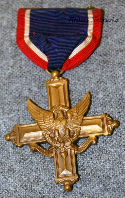 10209-44-(1-3) - Medal, Distinguished Service Cross with