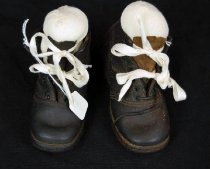Image of 10523-1-(1-2) - Boots; Child, Pair, Made in Wales, 1870