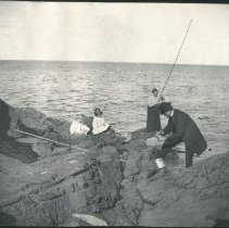 Image of 2011.79 - Fishing at the Ocean Shore