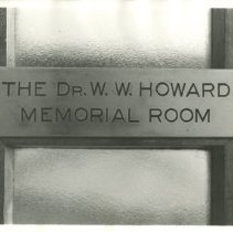 Image of 1976.155 - Dr. W.W. Howard Memorial Room Plate Photo