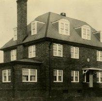 Image of 1979.300 - Photo of Theta Psi Building