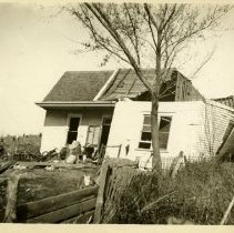 Image of 1985.1003 - House blown over by Kirksville tornado