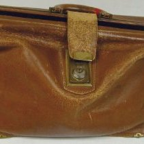 Image of 2012.69 - Dr. Max Gutensohn Doctor Bag/Briefcase