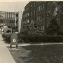 Image of 2004.98 - Kirksville Osteopathic Hospital looking down Jefferson Street