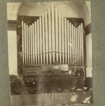 Image of Playing the Pipe Organ