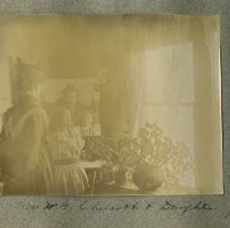Image of 2009.27 - Mrs. W.G. Chilcott and Daughter