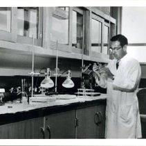 Image of Irvin M. Korr in Laboratory