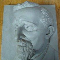 Image of 2013.01 - Ceramic casting of Andrew Taylor Still