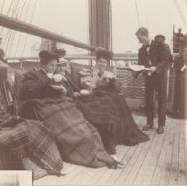 Image of 2013.21 - Alice, Nettie and Al on Steamship Umbria