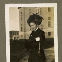 Image of 2014.06 - Unidentified Woman