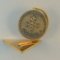Image of 1988.86 - Rotating Medallion Paperweight