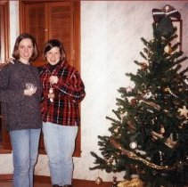 Image of 2011.98 - Jill King and Heather Anderson at Ornament Exchange