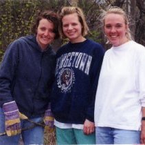 Image of 2011.98 - Mindy Christensen with Rachel Jones and Julie Senger Helping Earth Day Project