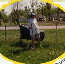 Image of Danielle Hinkson Participating in Jaycee Park Clean Up