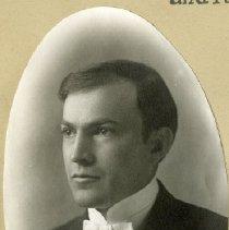 Image of 1984.982 - Theta Psi Member Portrait