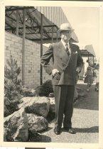 Image of Dr. B. E. Hoye