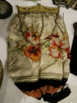 Image of Velvet Purse with Floral Pattern and Gold Frame - Purse