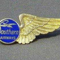 Image of Southern Airways Stewardess Uniform Hat Badge - 1949-1967