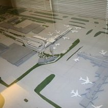Image of ATL International Terminal with Concourse E and runways architect's model