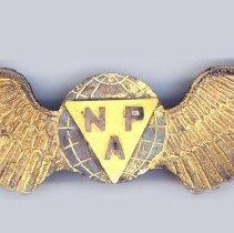 Image of National Parks Airways Cap Badge, 1927-1931