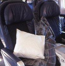 Image of Delta BusinessElite Recliner Seat Pair, 12/1998