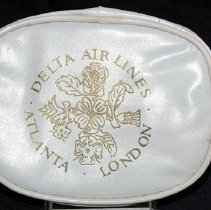 Image of Delta Atlanta-London Amenity Kit - 04/1978