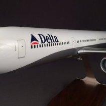 Image of Delta Boeing 767-432ER, N829MH, Ship 1805, Model Airplane - ca. 2000-2004