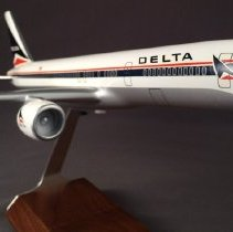 Image of Delta Boeing 757, Model Airplane