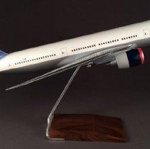 Image of Delta Boeing 777-200, N863DA Ship 7004, Model Airplane
