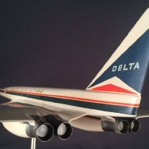 Image of Delta North American Aviation Supersonic Transport, Model Airplane