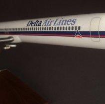 Image of Delta MD-88, N102DA, Model Airplane