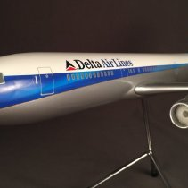 Image of Delta Livery Concept Boeing 767-300 Model Airplane - ca. 1994-2000