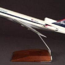 Image of Delta Boeing 727-200, N484DA Ship 484, Model Airplane