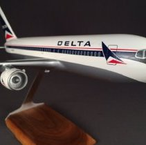 Image of Delta Boeing 767-200, N110DL Ship 110, Model Airplane