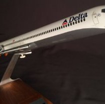 Image of Delta MD-90, Model Airplane