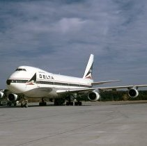 Image of Delta Boeing 747-132, Ship 104, ATL - 12/1973