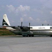Image of Delta Lockheed L-100-20, Ship 303, Atlanta, September 7, 1973