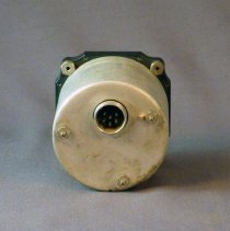 Image of Bendix Left-Right Aircraft Radio Compass Type IN-4A, back