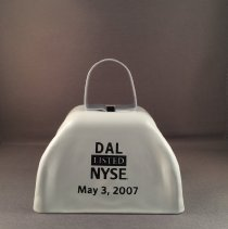Image of DAL Listed NYSE May 3, 2007 Cowbell - 05/03/2007
