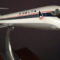 Image of Delta OAK-DFW Inaugural Commemorative MD-82 Model Airplane - 04/01/1990