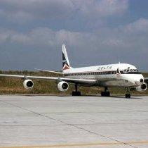 Image of Delta Douglas DC-8-51, Ship 806, ATL - 10/1975