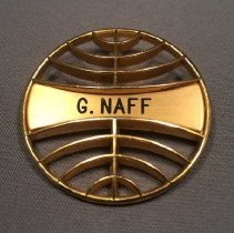 Image of Pan Am Flight Attendant Uniform Hat Badge - 1971-1975