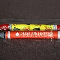 Image of Delta Fantastic Flyer Fun Feast Crayons
