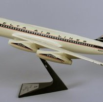 Image of Delta Convair 880, Model Airplane