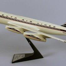 Image of Delta Convair 880, Model Airplane -