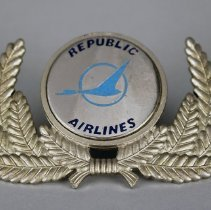 Image of Republic Airlines Pilot Uniform Hat Badge - 1979-1986