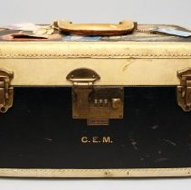 Image of Train Case - ca. 1940-1959