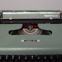 Image of Olivetti Lettera 22 Portable Typewriter