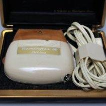 Image of Remington 60 DeLuxe Electric Razor